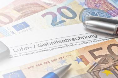 Arbeiten in zwei Ländern – und wo zahlt man Steuern?